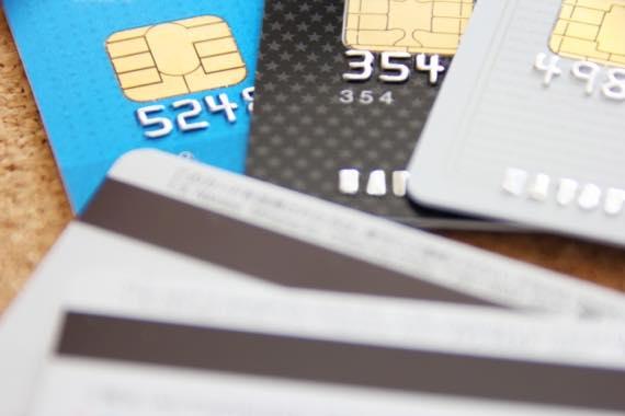 フリーターはクレジットカード作成で少し不利