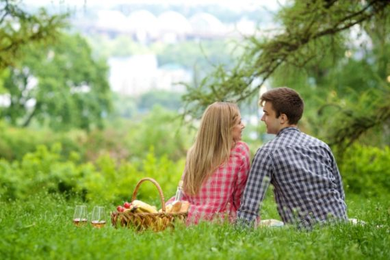 【総評】女性は恋愛ならフリーターでも気にする必要なし!結婚したいなら夢や目標をもつか、家庭的になるか、就職すると早そう