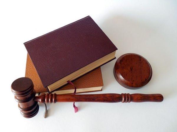 弁護士監修、または労働組合が運営している退職代行かどうか?